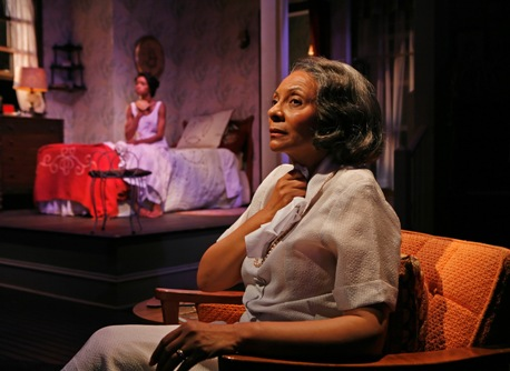 Leslie Uggams and Yaya DaCosta in 'The First Breeze of Summer'